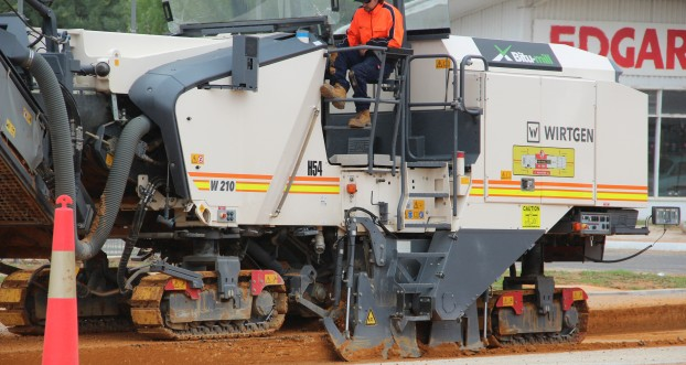Work starts again on Nyah Road, Swan Hill