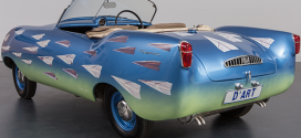 Flight, motion and a Goggomobil in the Gallery
